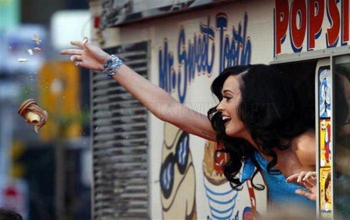 World's Top Paid Celebrities Under 30 , part 30