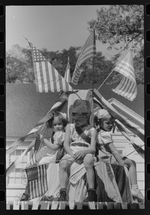 How America Celebrated 4th Of July In 1941, part 1941