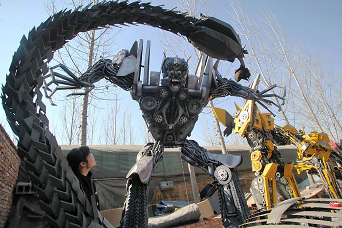 Chinese Man Builds Giant Transformers Replicas