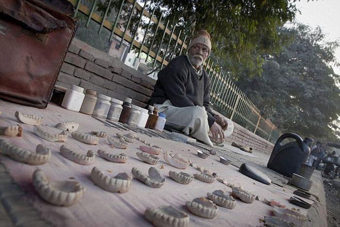 The Street Dentists of Delhi