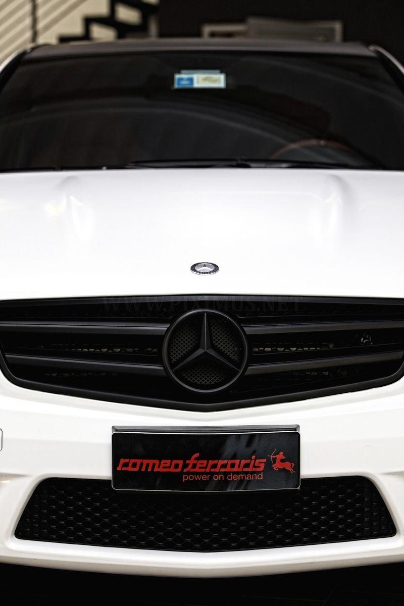 Mercedes-Benz C63 AMG WhiteStorm - Romeo Farraris