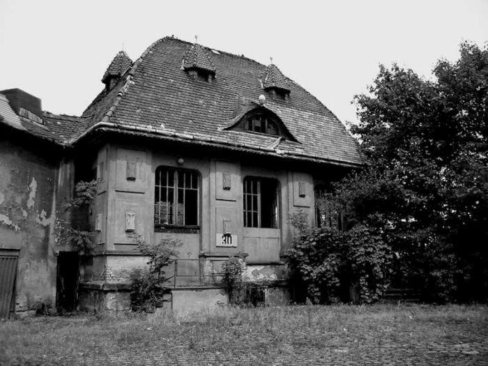 Creepy Abandoned Houses