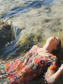 Yigal Ozeri Paints Beautiful Pics Of Beautiful Women