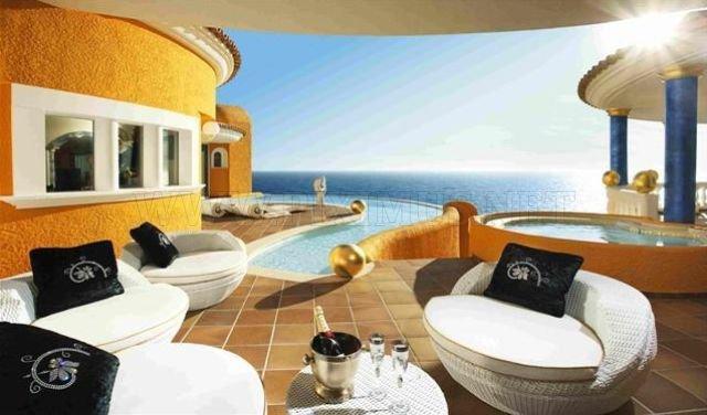 Incredible Residence Villa Colani