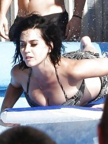 Katy Perry Loses Panties in a Water Park