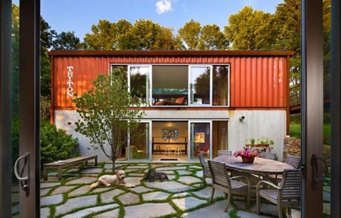 Shipping Containers Turned Into Cool Homes