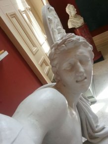When Statues Take Selfies