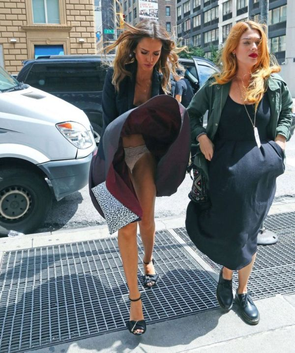 Jessica Alba Is Still A Smokeshow