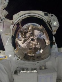 The Coolest Selfies Ever Taken