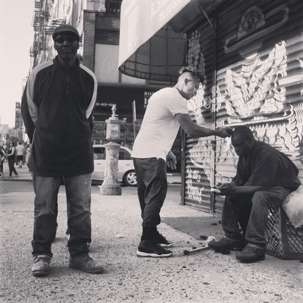 New York Stylist Gives Free Haircuts To The Homeless