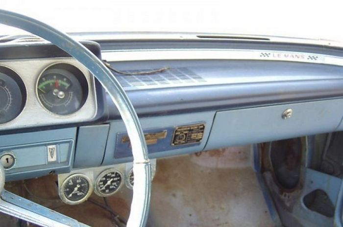 Old Pontiac Sells For Over $200,000, part 200000