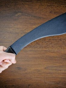 Fighting A Machete With Your Bare Hands