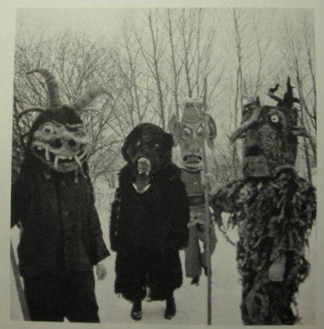 Vintage Costumes That Are Extremely Creepy