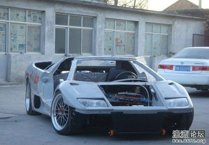Lamborghini Diablo Built From Scratch