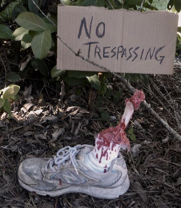 How To Make An Awesome Severed Leg For Halloween