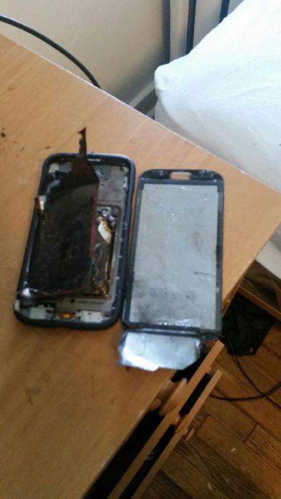 Samsung Galaxy S4 Explodes