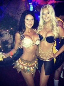 The Best Pics From The 2014 Halloween Party At The Playboy Mansion