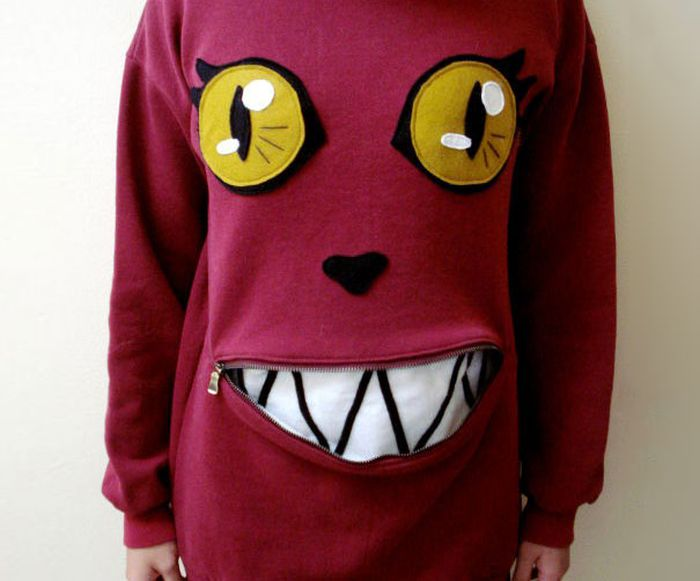 This Zipper Mouth Cat Sweater Is Something You Need To Make