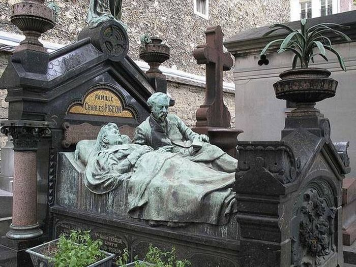 The Most Unique Graves From Around The World