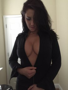 Girls withtout bras