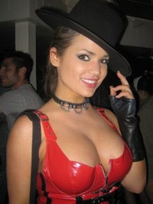 Cleavage Girls