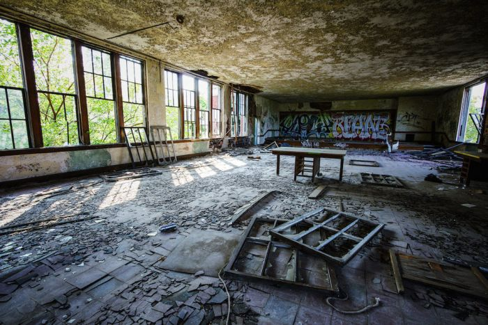 This Old Abandoned School Is Just Slightly Creepy