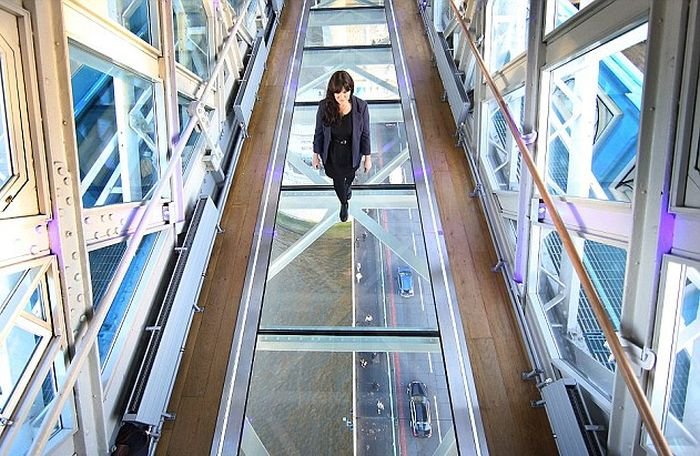 London's Tower Bridge Glass Walkway Smashed By Beer Bottle