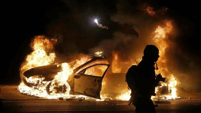 The Riots In Ferguson Are Out Of Control After Grand Jury's Decision