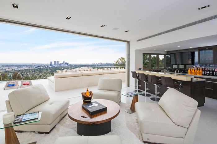 This $ 19,000,000 Beverly Hills Mansion Is A Dream House
