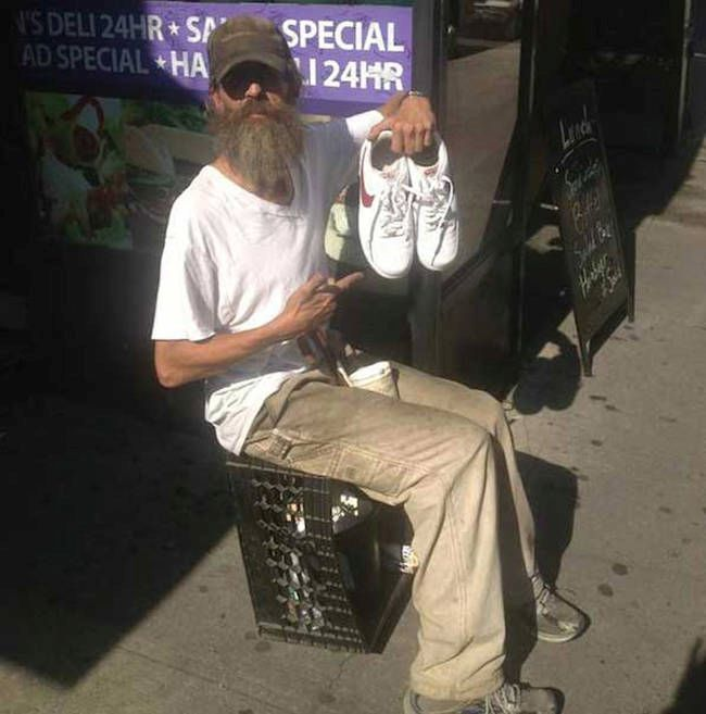 One Man In New York City Is Giving The Homeless Free Shoes