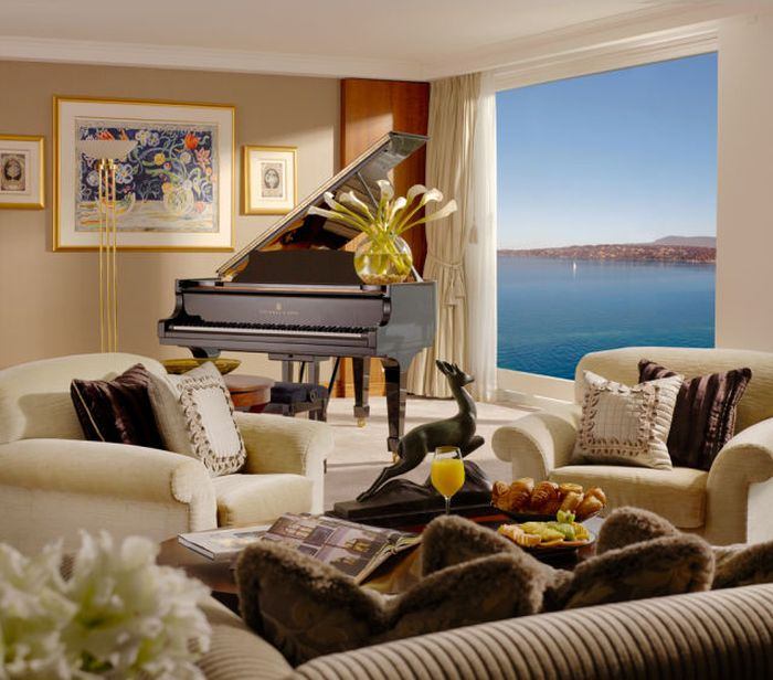 An Inside Look At The World's Most Luxurious Hotel Suite