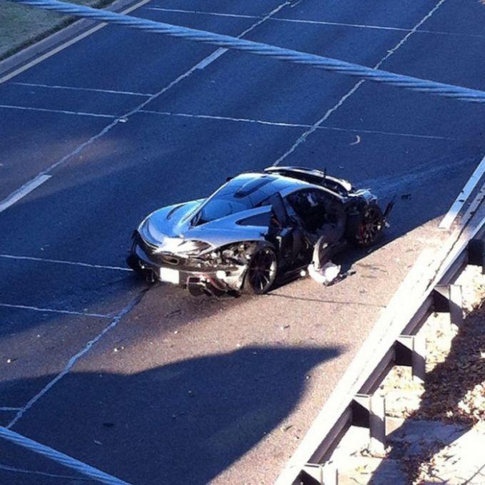 Driver Destroys A 1 Million Dollar Mclaren P1 Vehicles