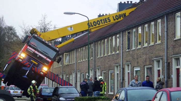 Marriage Proposal With A Crane Goes Wrong