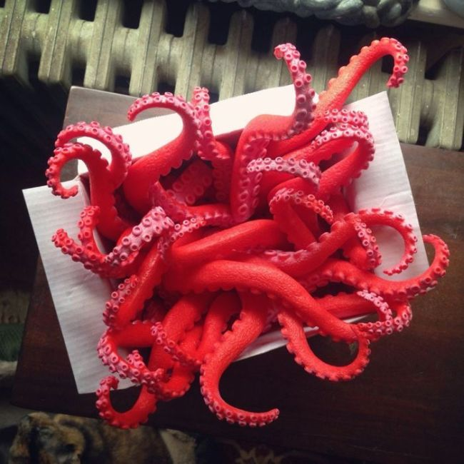This Cthulhu Themed Christmas Wreath Has So Many Tentacles