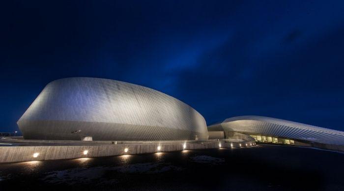 Kastrup Has The Most Amazing Aquarium