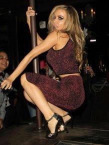 Carmen Electra in disco club