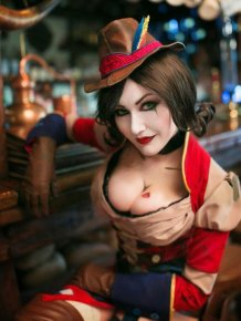 This Mad Moxxi Cosplay Is Beyond Hot