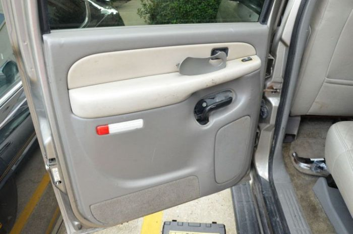 There Was A Very Special Surprise Inside This Car Door & There Was A Very Special Surprise Inside This Car Door | Others