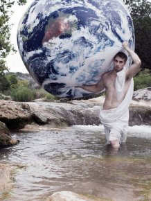 Meet The Man That Takes The Most Epic Facebook Profile Pics