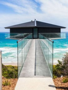 This Australian House Will Make You Believe It's Floating