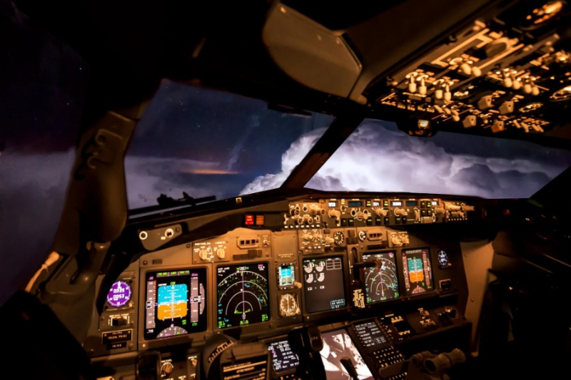 Stunning photos from airplanes cockpit