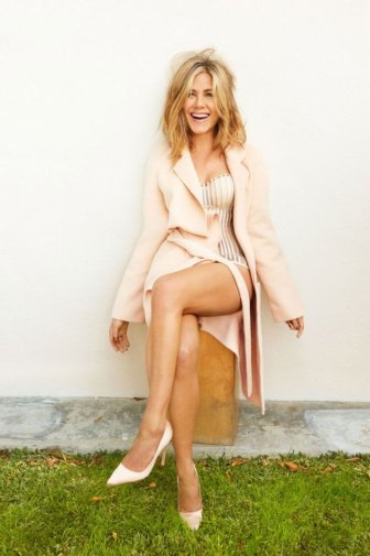 Jennifer Aniston Lights Up The Pages Of The Hollywood Reporter