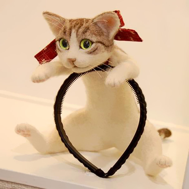 This Headband Lets You Wear An Entire Kitten On Your Head