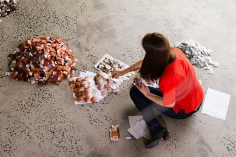 This Artist Created Something Incredible With 20,000 Teabags