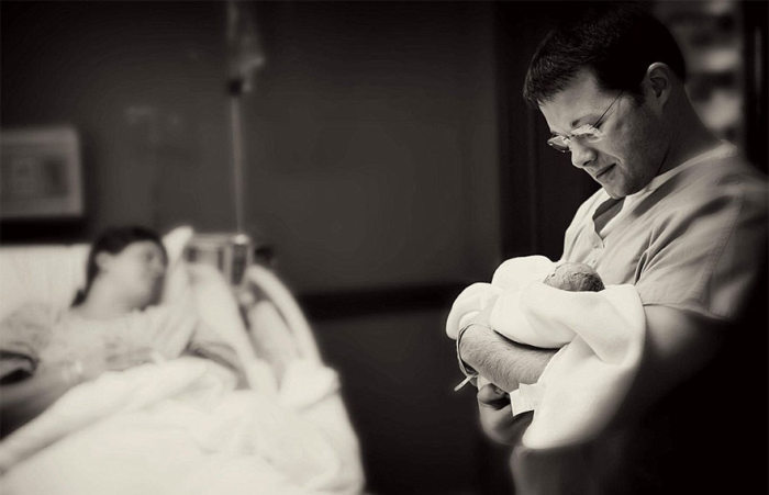 Parents Pose With Their Babies For The Last Time
