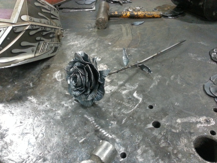 Metal Valentine's Day Roses For The One You Love