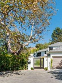 Scarlett Johansson Just Bought A $4 Million Dollar House