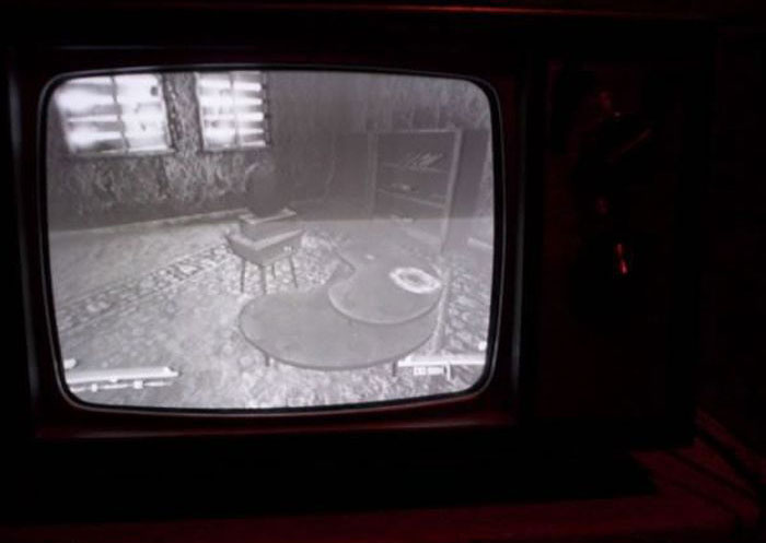 What Modern Video Games Look Like On Vintage TVs
