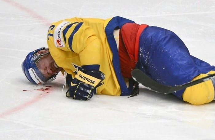 Sometimes Hockey Is More Violent Than MMA