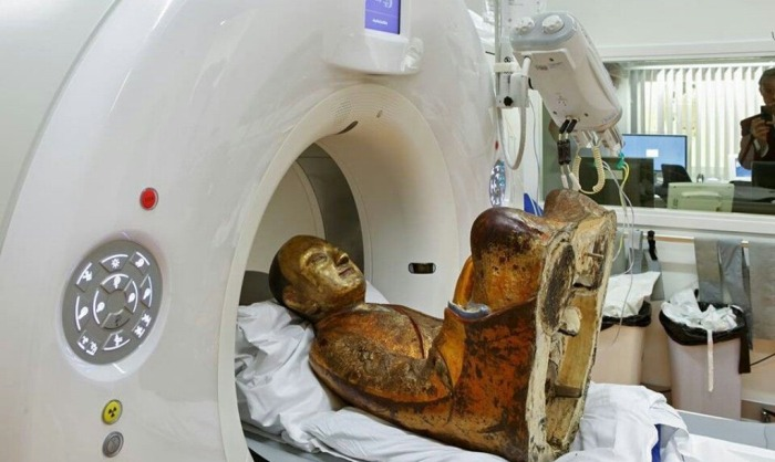 It Turns Out There's A Mummy Hidden In This 12th Century Buddha Statue